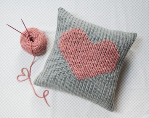 Duplicate stitch pillow