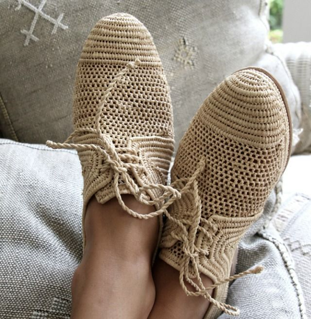 Crochet shoes from pinsetters.com